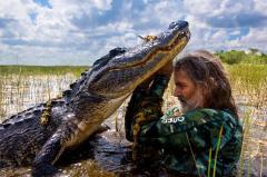 Мэнни Пуг и крокодил